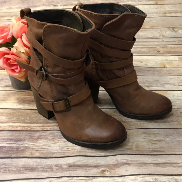 4c58d79e785 Steve Madden Yale brown belted boots size 9
